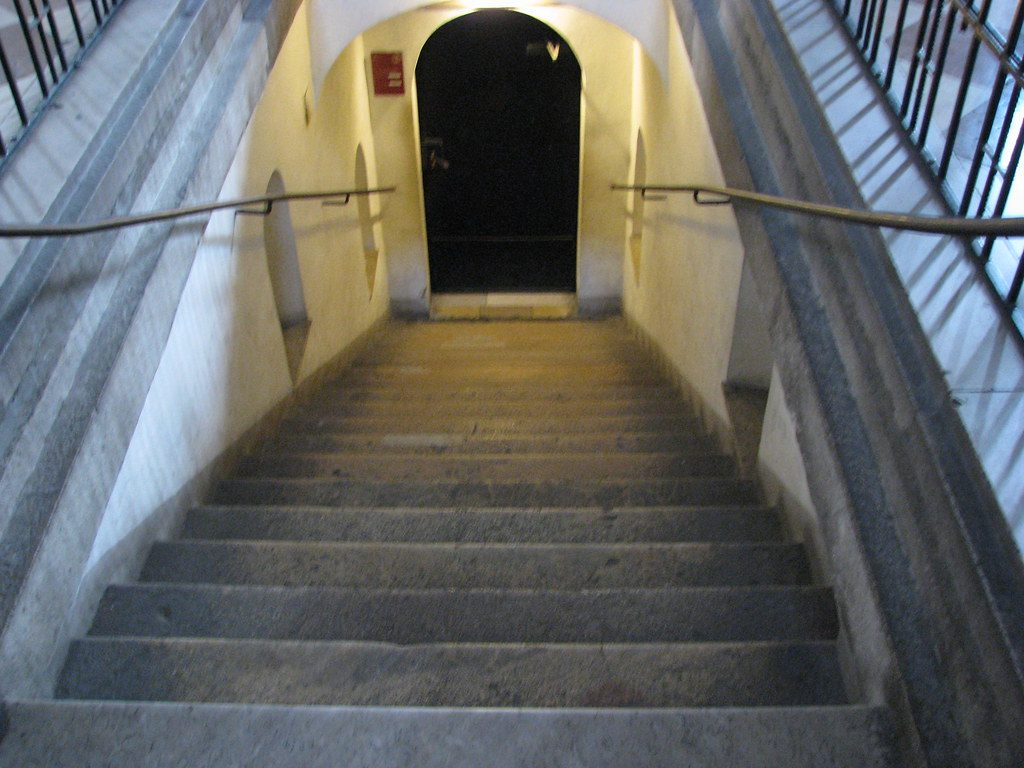 entrance to st stephens catacombs in vienna